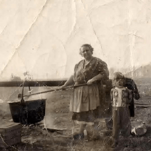 1930's-family-soap-making-photo