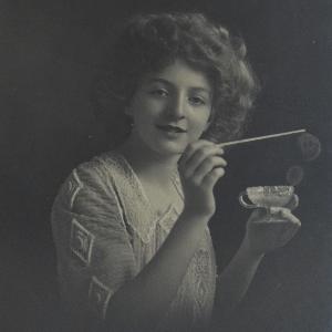 early-1900's-soap-bubbles